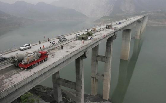 地震来袭,桥梁受损如何加固?
