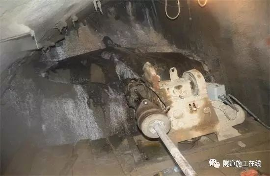 隧道拱顶注浆施工方案_4
