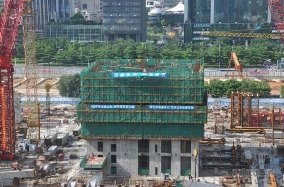 超高层建筑电梯井液压爬模施工工法(JFYM100型爬模架)
