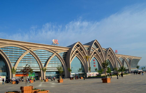 BIM论文-BIM技术在银川火车站工程中的应用