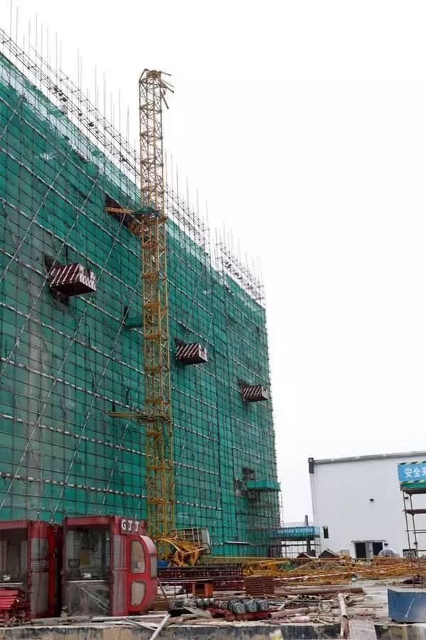 7死2伤!广州塔吊倾斜倒塌事故,什么原因?如何预防?