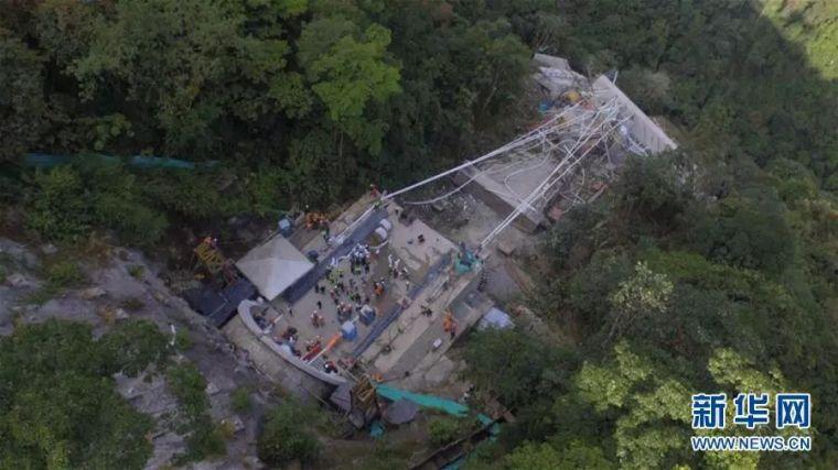 监控直播!在建大桥轰然倒塌,已有13人遇难,10多人下落不明_8
