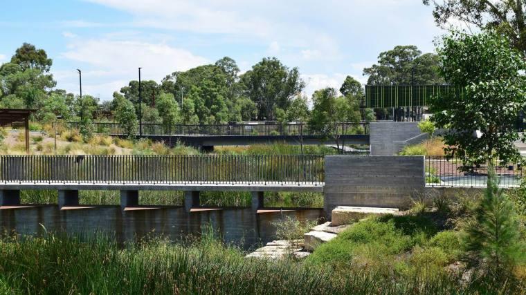 澳大利亚布莱克敦展场公园-5bff8045efd30