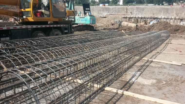 [天津]城市广场项目基坑支护及土方分包工程施工汇报PPT