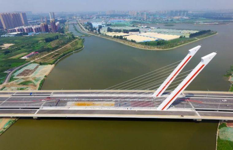 郑州亿元大桥没验收就通车:4个月就大面积破损