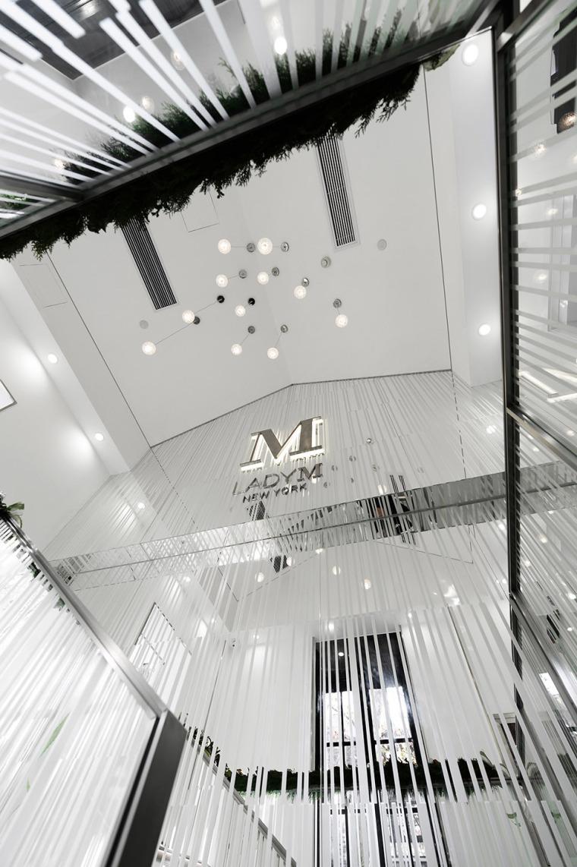 上海大陆旗舰店-6