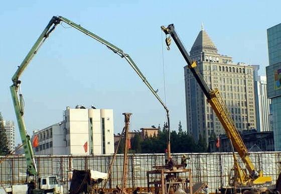 保证超高层建筑超深逆作钢管柱垂直度(QC成果)