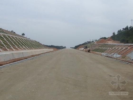 [毕业设计]清淤换填质量缺陷对路基沉降影响的研究