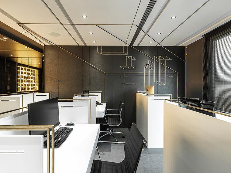 运用LED光箱组成的办公室室内实景图 (2)