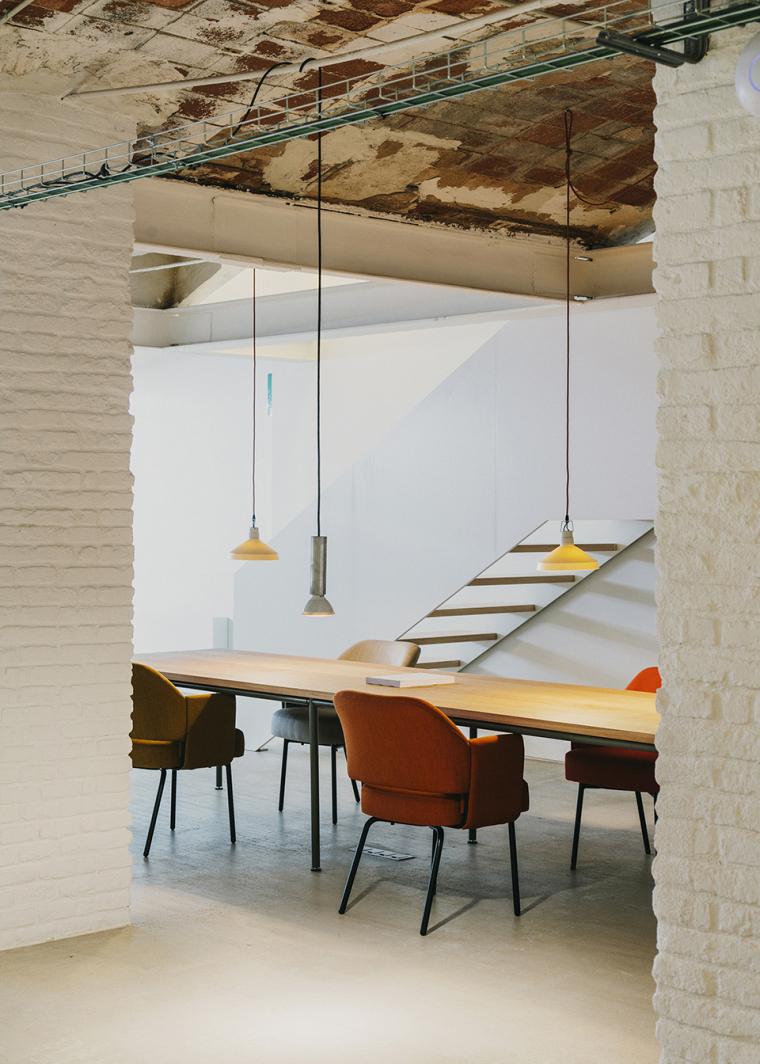 仓库建筑的古典风格Montoya办公楼-23