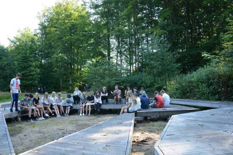丹麦校园里的神奇树林景观-19