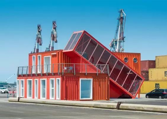 赤橙黄绿青蓝紫,这些集装箱闹翻了天!