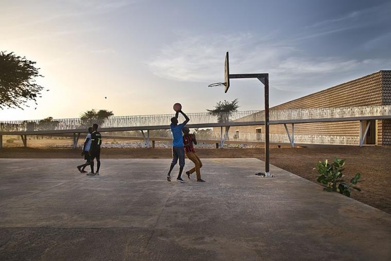 塞内加尔AliouneDiop大学教学楼-塞内加尔Alioune Diop大学教学楼实景图 (4)