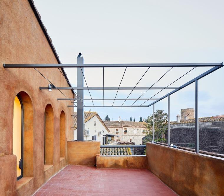 西班牙La Tallada住宅翻新