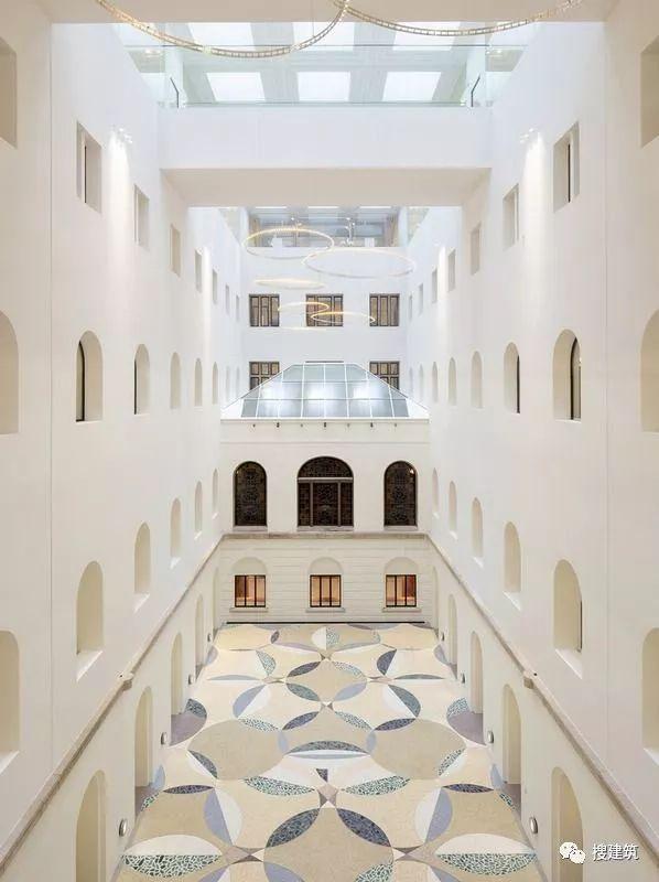 ibm斯图加特总部大楼资料下载-15个宽敞又明亮的中庭设计及剖面图  搜建筑  5天前