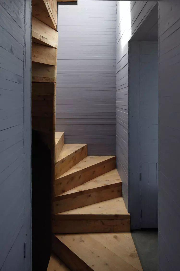这个智利建筑事务所设计房子,几乎像是一场方形、圆形或其他元素_11
