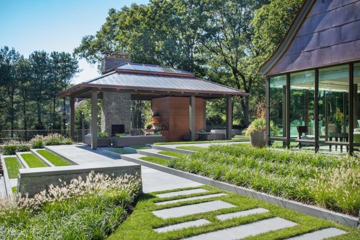 Valkenberg庄园中的住宅资料下载-美国都铎式风格住宅庄园