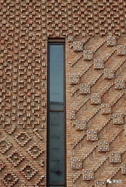 土掉渣的红砖耍起个性来,其他材料都得靠边站_6