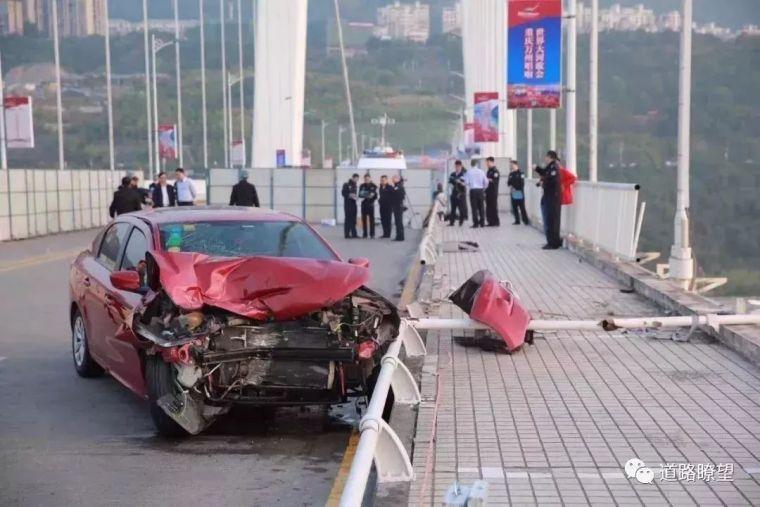 由重庆万州二桥公交坠桥引发的伟德栏杆防撞思考!_4