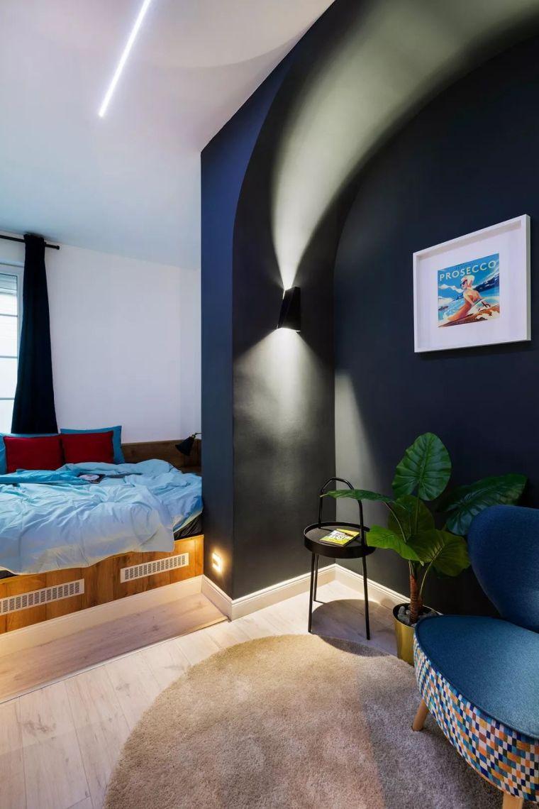 深色系墙面设计,让你家的颜值翻一倍_21