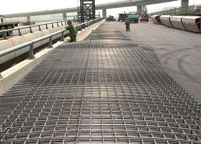 桥面补强层加固施工方法