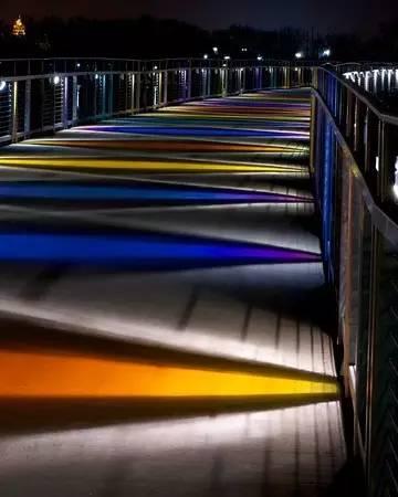 景观灯光设计。当灯光碰上景观,浪漫的夜晚就开始了!_26
