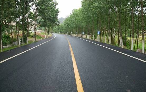影响沥青路面施工质量因素与对策分析