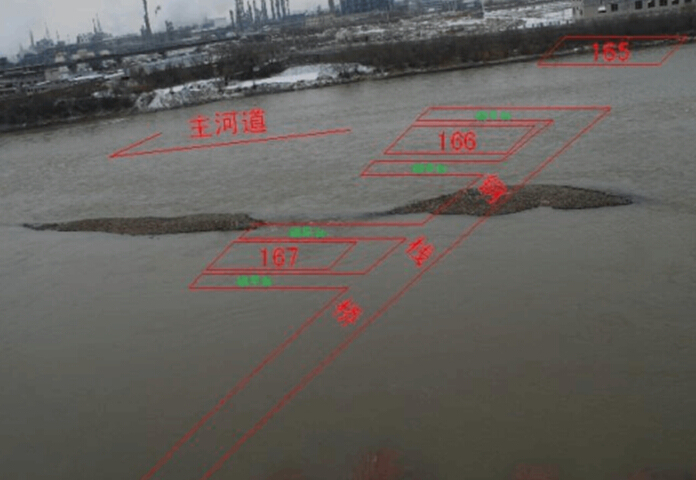 U型桥台施工工艺流程资料下载-黄河特大桥连续刚构形式栈桥施工方案