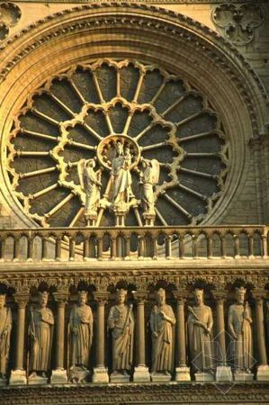 建筑立面雕塑
