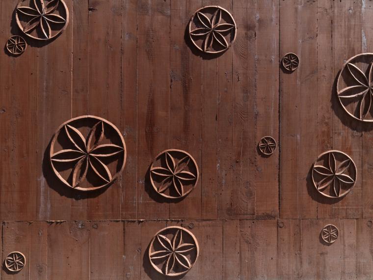 瑞士谷仓中的冥想建筑-6