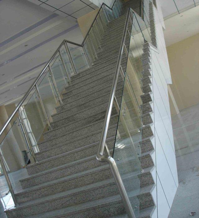 一步一个脚印,这样施工楼梯结构不会错