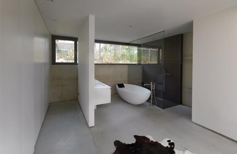 荷兰混凝土板组成的Zeist住宅-10