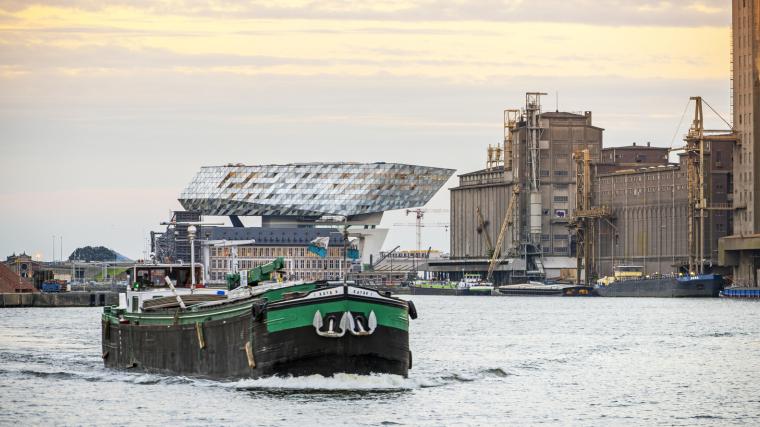 比利时安特卫普港口大楼-2
