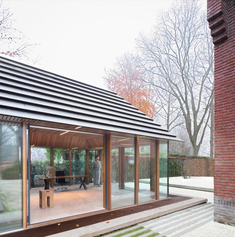 荷兰小镇的日式美学办公建筑