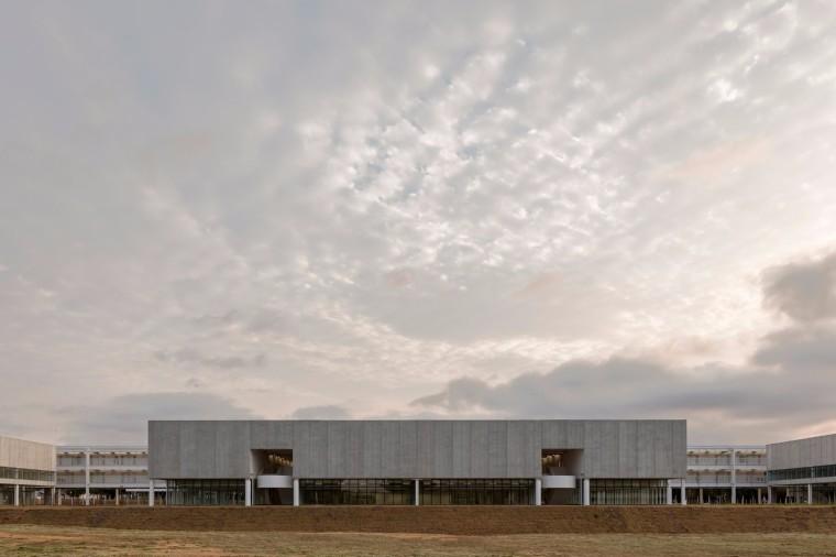 向现代主义建筑致敬——奥斯卡.尼迈耶在巴西设计的科技园区再添