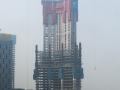 武汉绿地中心因顶层风力过大紧急停工,只为确保施工人员安全!