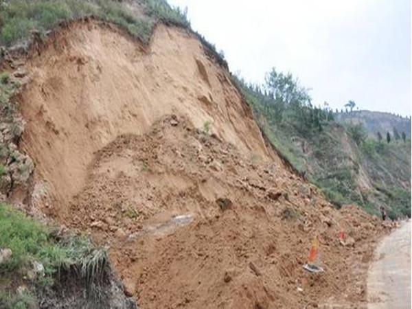地质灾害详解-发生前兆,诱发因素及应急预防