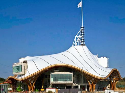让结构尽情表现--法国蓬皮杜梅斯中心分馆设计