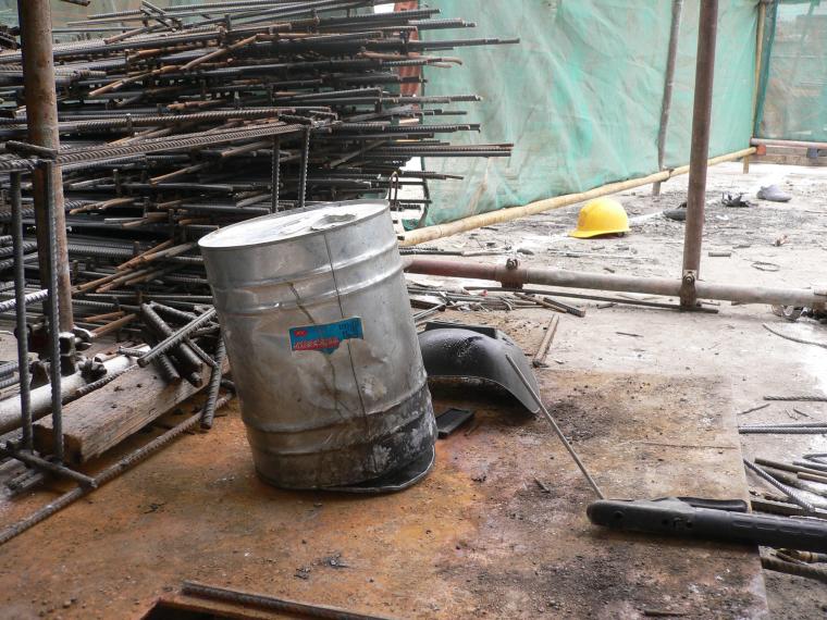 建筑施工安全教育-建筑工程事故典型照片(30页)