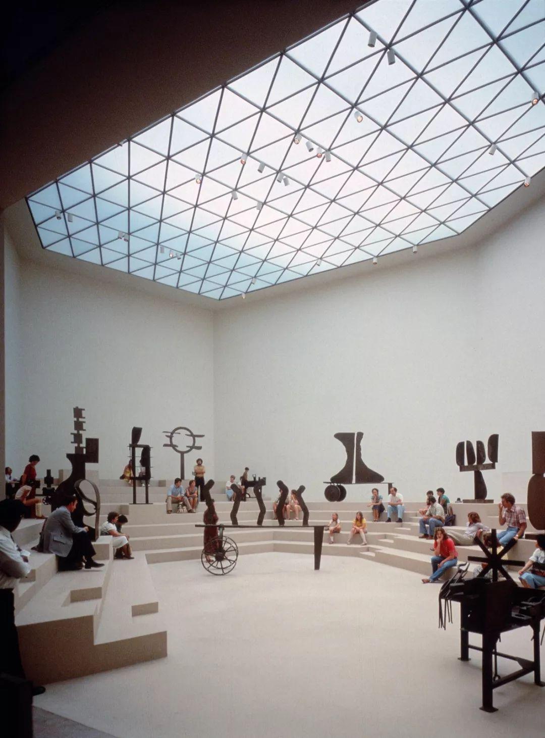 致敬贝聿铭:世界上最会用「三角形」的建筑大师_23