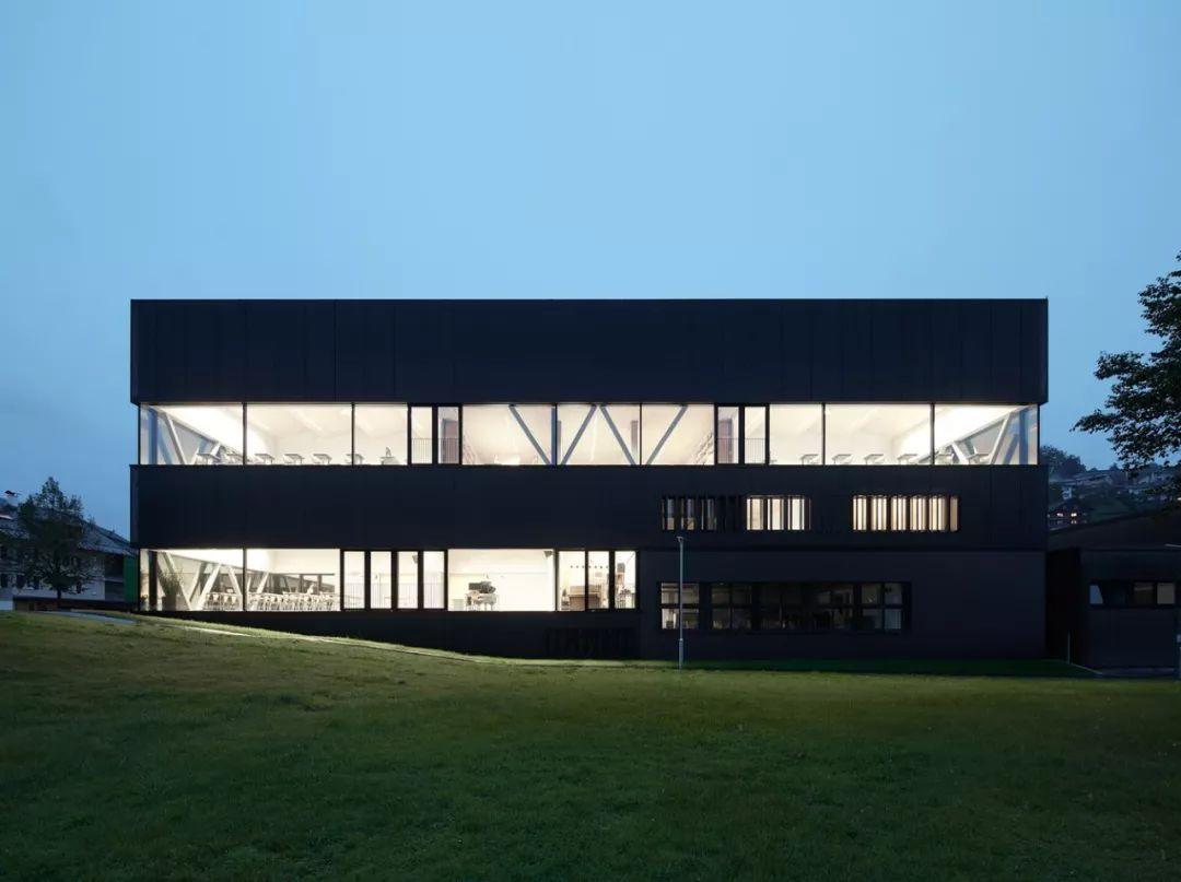 建筑立面中的构成之美_3