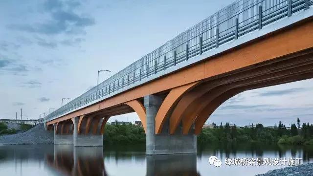 木结构桥梁,160米跨度,还能开车,你信吗?