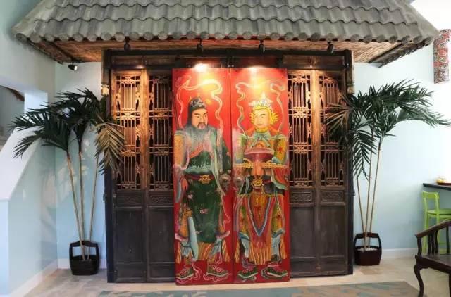 老外的中国情结:门神、石狮、兵马俑......_1
