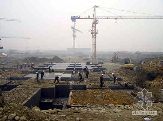 成都某国际商贸城工程项目部月总结