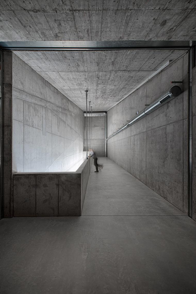015-centre-for-contemporary-art-dox-by-petr-hajek-architekti