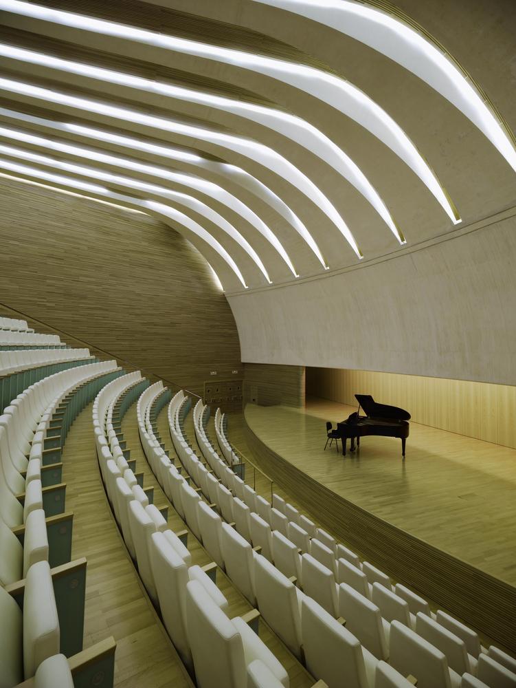 西班牙含苞绽放的瓦伦西亚歌剧院-8