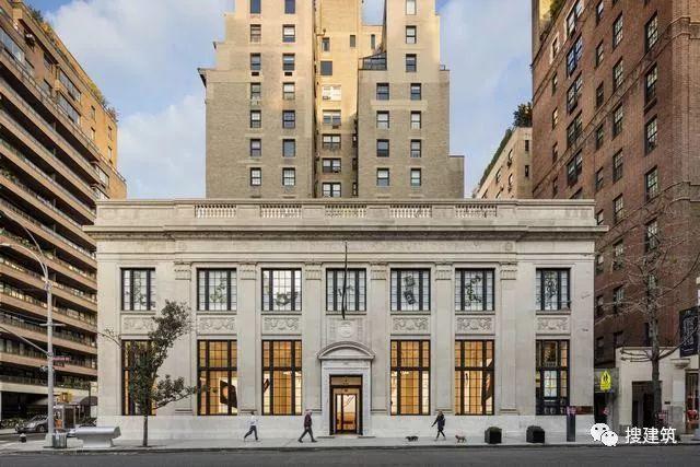 苹果又一个店铺设计:优雅的古典主义风格
