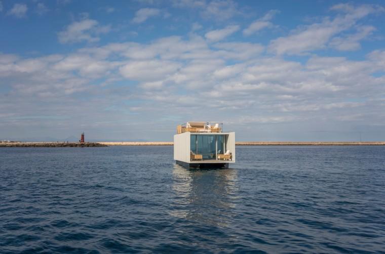 西班牙与大海融为一体的浮动别墅-6