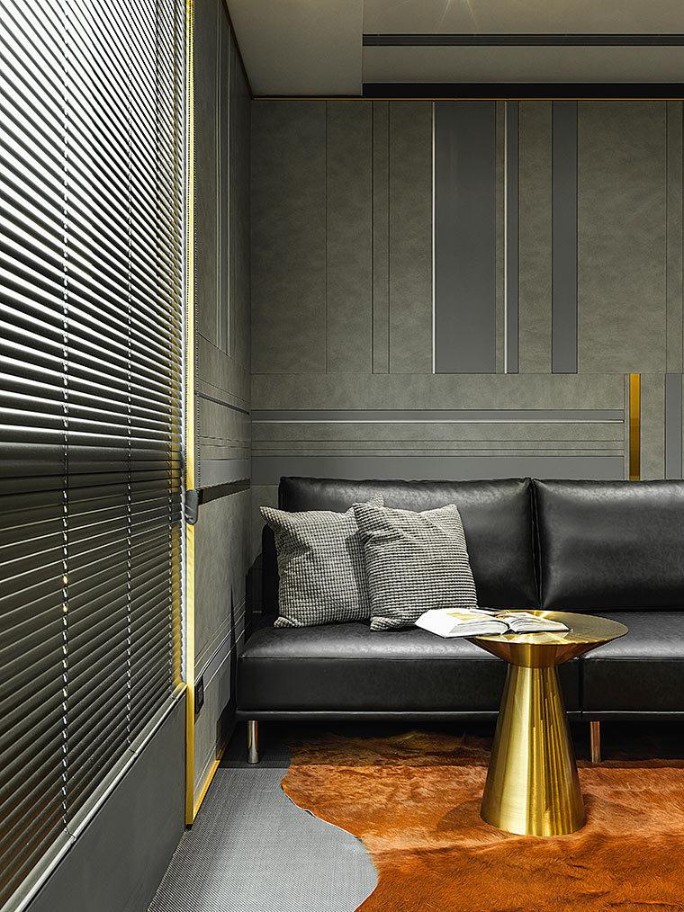 运用LED光箱组成的办公室室内实景图 (8)