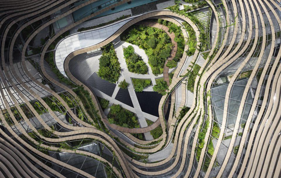 """多层次的立体绿洲:新加坡滨海盛景的""""绿色之心"""""""
